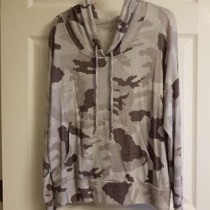 NY&C gray camo soft drop shoulder hoodie size M